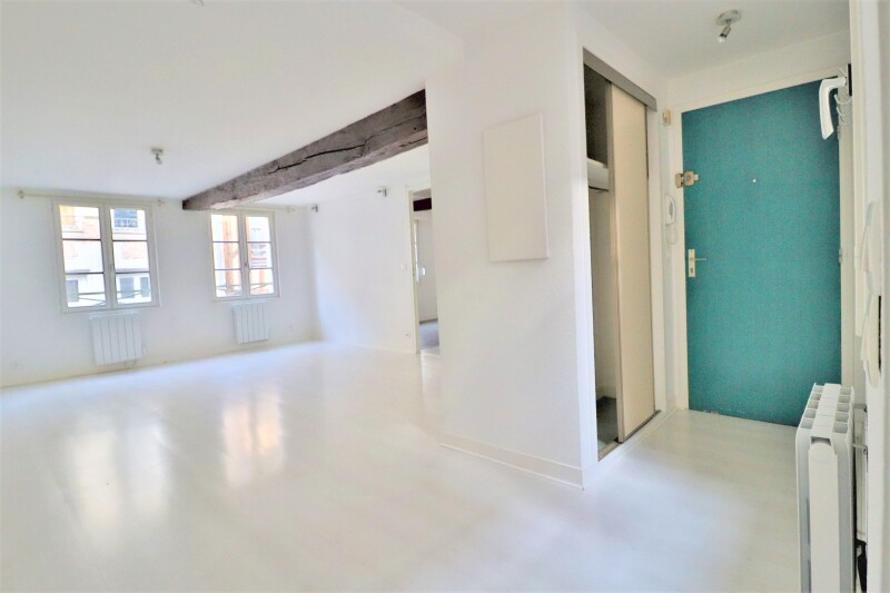 Damonte Location appartement - 11-13-15 rue de la monnaie &, TROYES - Ref n° 6436